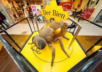 Bienennachbildung auf rotierender Drehscheibe