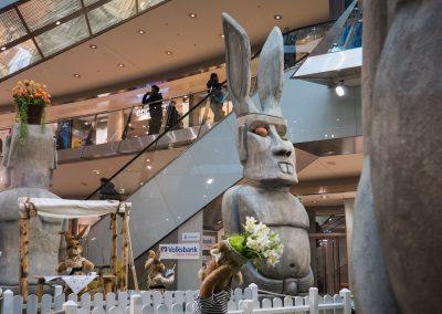 Moai Hasenskulptur mit langen Betonohren